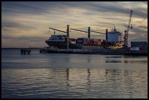 Puerto II by MarcosCousseau