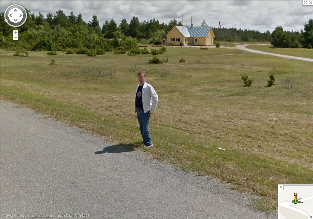 A Firefox T-shirt on Google Streetview