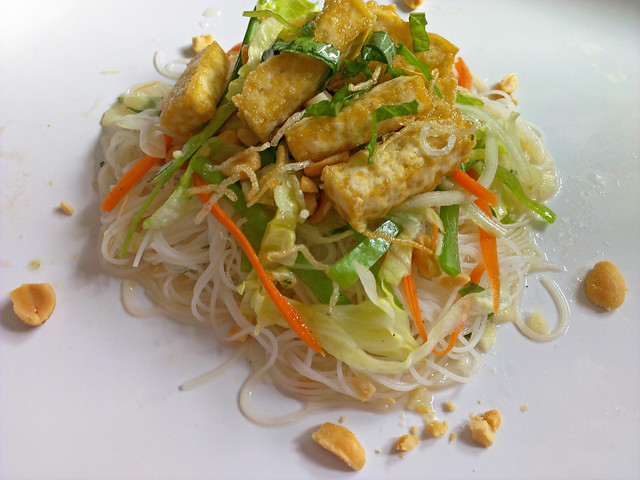 Bun Chay -- Vietnamese rice noodle salad with fried tofu, carrot, snow ...