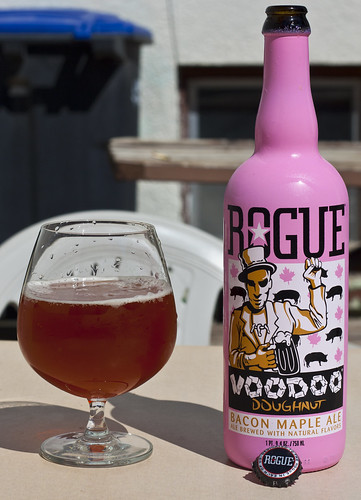Review: Rogue Voodoo Doughnut Bacon Maple Ale by Cody La Bière