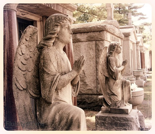 Mausoleum angels 1