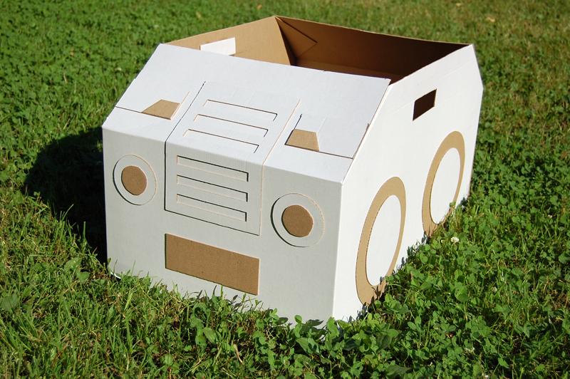 Cardboard car_01