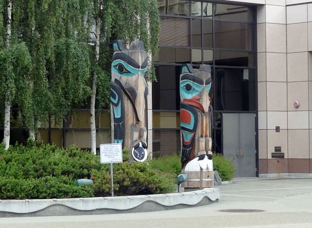 anchorage-totem-poles