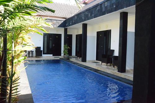 Legian Guest House Roomorama1