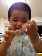手にテープが絡まる (2012/8/4)