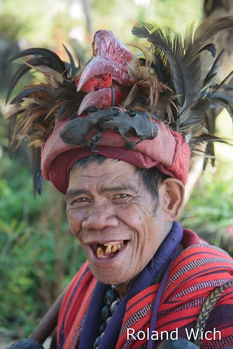 man point costume view philippines banaue viewpoint batad ifugao philippinen tribesman