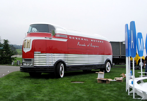 GM parade of progress futurliner at pebble beach concours d'elegance 2008