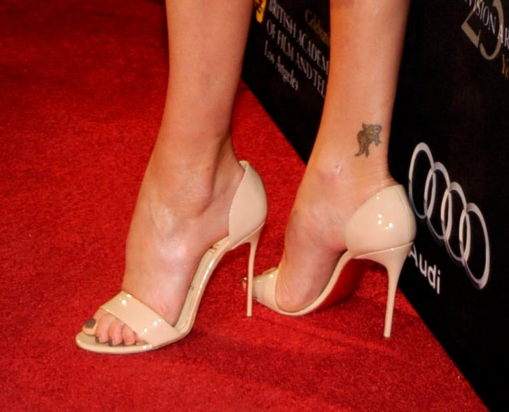 Charlize theron feet 41 a photo on flickriver charlize theron feet 41 voltagebd Choice Image