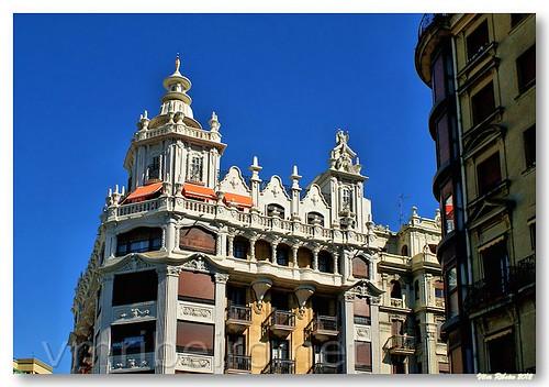 Detalhe arquitetónico em San Sebastian by VRfoto