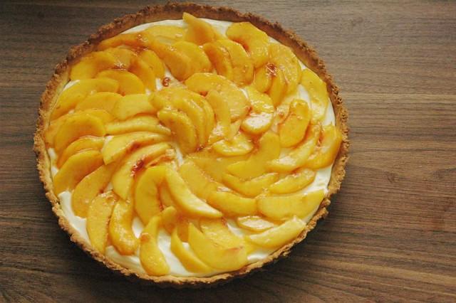Sweet Mascarpone Peach Tart | The Adventure Bite