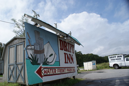 Drift Inn Seafood Restaurant sign