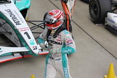 第1レースを12位で終え、肩を落とす中嶋一貴