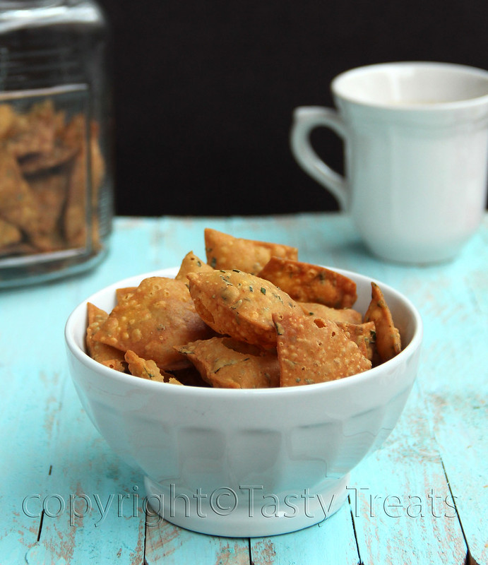 Whole Wheat Spicy Methi Crisps