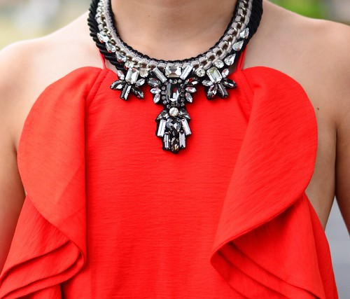 Luxe crystals necklace by Pradit