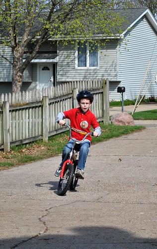 riding bikes 002_crop