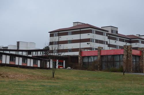 abandoned hotel resort borschtbelt sullivancountyny swanlakeny
