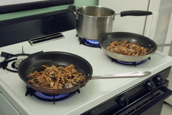 mushroomsintwopans
