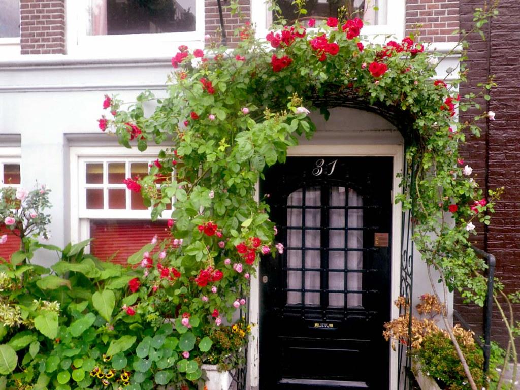 roses-door