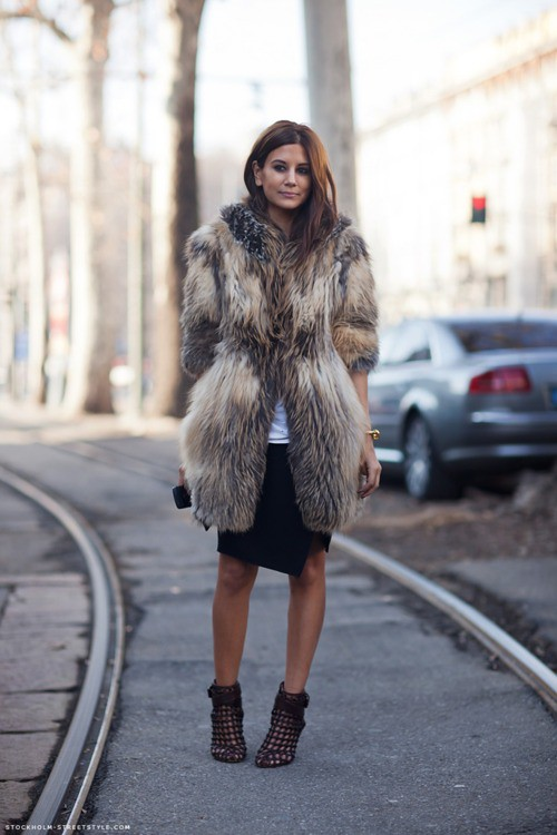 Christine-Centenera-harpers-bazaar-fashion-fur