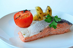 salmon-like fish(0.0), fish(0.0), lox(0.0), produce(0.0), smoked salmon(0.0), salmon(1.0), fish(1.0), garnish(1.0), food(1.0), dish(1.0), cuisine(1.0),