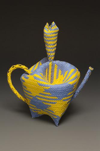 woven-paper-basket-carnival