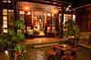 珠山17號民宿(校長的家)寬敞的天井是泡茶聊天的好地方