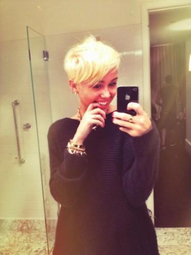 Miley Cyrus New Haircut