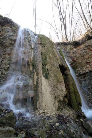 Cascata delle Borre - ph associazione Serramazzoni Turismo