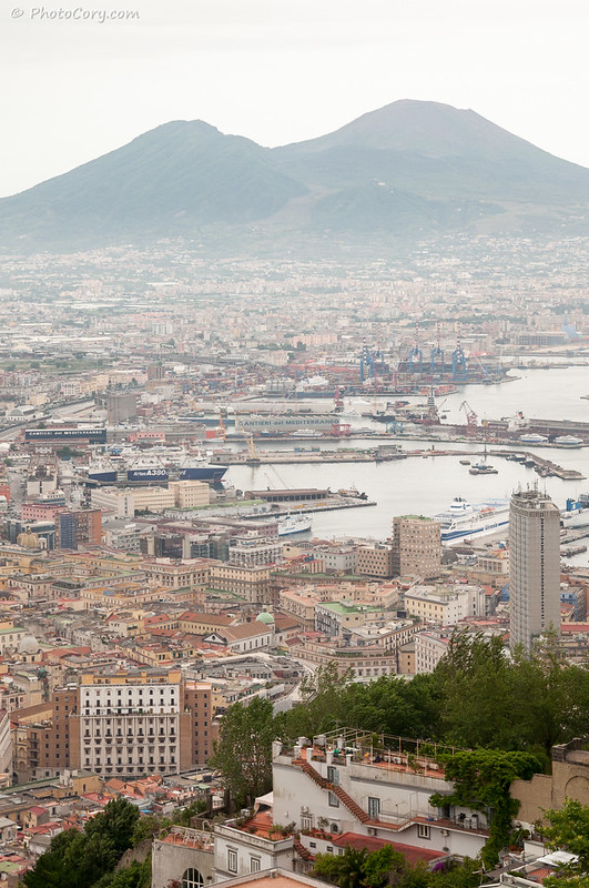 Napoli and Vesuv Volcano