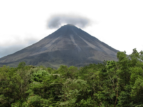 Parc National Arenal: le volcan Arenal