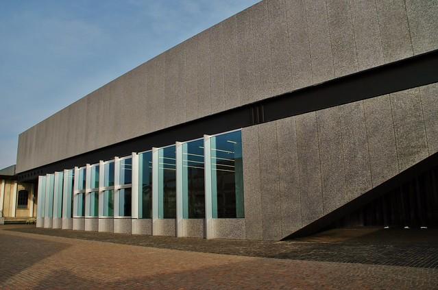 60 Milán Largo Isarco 2 Via Orobia Fondazione Prada Rem Koolhaas OMA 2008-15 Podium 151115. 1192