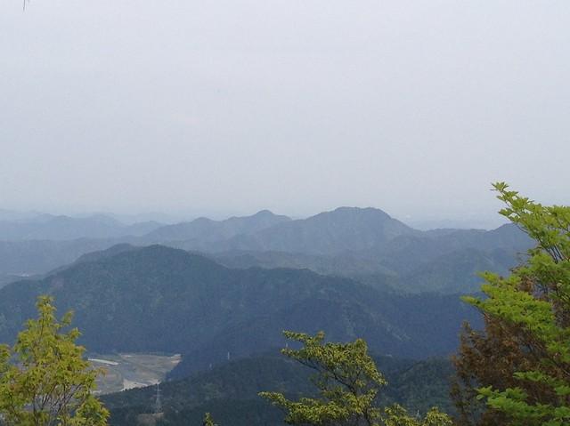 相戸岳 山頂より誕生山天王山