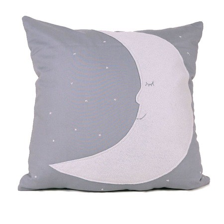 moon_stars_pillow_eco_nursery_ekofabrik.
