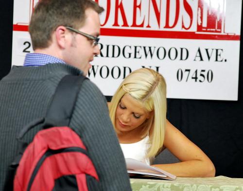 TS-fan signing