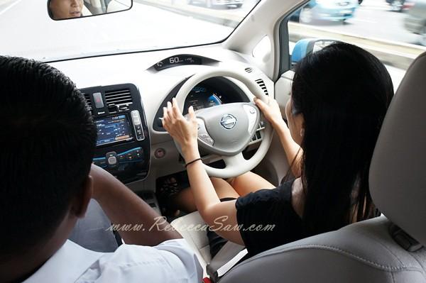 nissan leaf - all electric car-031
