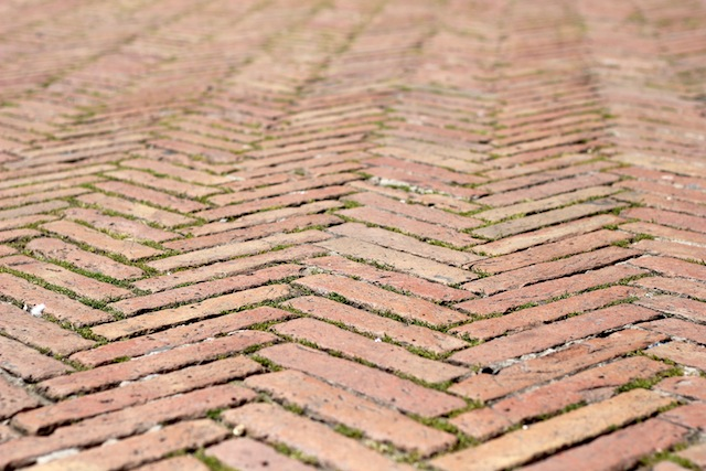 Piazza del Campo herringbone bricks