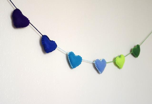 felt heart garland - guirlande feutrine by CocoFlower