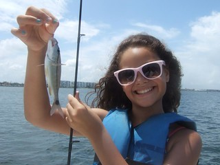 Valeria catches a nice tomtate.