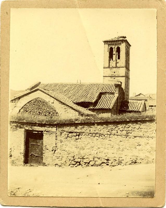 Iglesia de San Sebastián a comienzos del siglo XX. Fotografía de D. Pedro Román Martínez. Centro de Estudios Juan de Mariana. Diputación de Toledo
