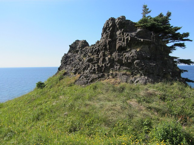 Outcrop on Green Gardens Trail