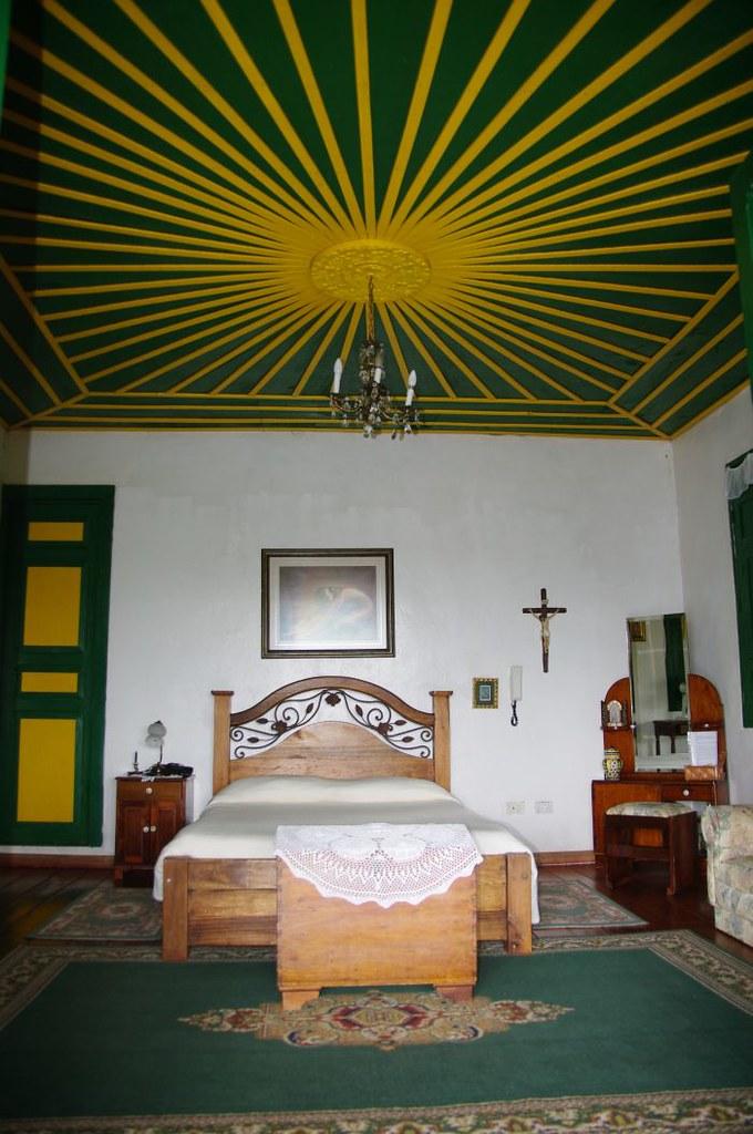 Imagen de una habitación típica en una Finca Cafetera