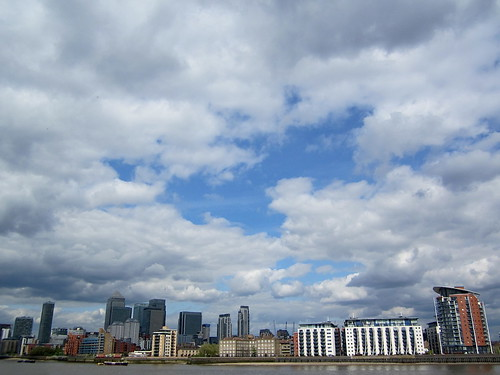 The sky over Canary Wharf