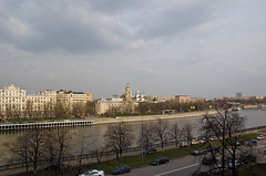 Vue sur la Moskova et le Monastère Novospassky