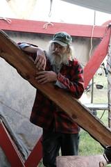 Rahseglertreffen Vorbereitungen - Christian Timm am Zelt von Svarta Vartar Vikings - Museumsfreifläche Wikinger Museum Haithabu WHH 12-07-2012