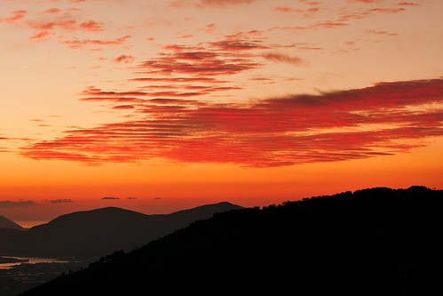 Tramonto con nuvole rosse - Sunset with red clouds, Lazio, Italia.