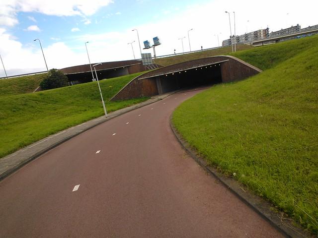 Велосипедный тоннель