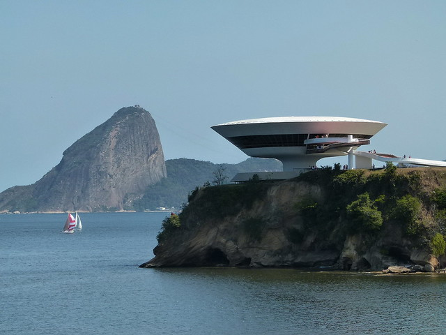 MAC - Museu de Arte Contemporânea de Niterói - Fantástica obra de Niemeyer
