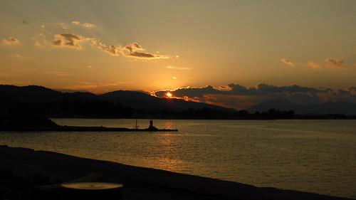 169 ηλιοβασιλεμα αιγιο ελλαδα πελοποννησοσ λιμανι panasoniclumixdmctz40 sunset sea sky clouds συννεφα ουρανοσ θαλασσα