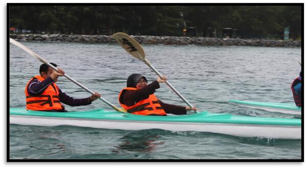 KayakOrCanoeing