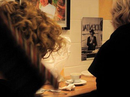 10c13 Marais y callejeo tarde027 Café yidis